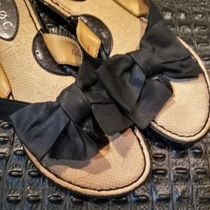 boc Black Bow Tie Leather Slides – Like New - Sz 8